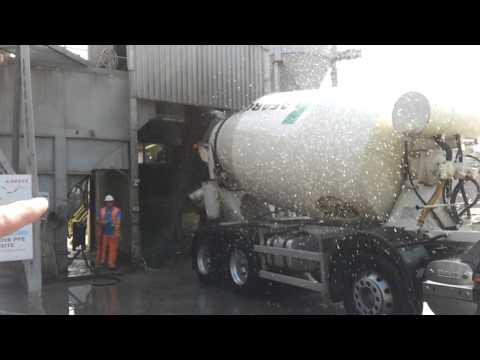 Lafarge concrete mixer - Egham plant