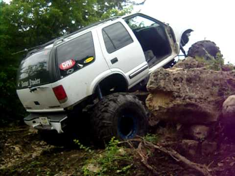 s10 blazer rock crawling,randolph - YouTube