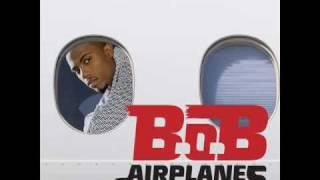 B.o.B ft. Hayley Williams - Airplanes [HQ] With Lyrics