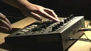 Bran Lanen - Roland MC-303 detroit techno live performance, part 2