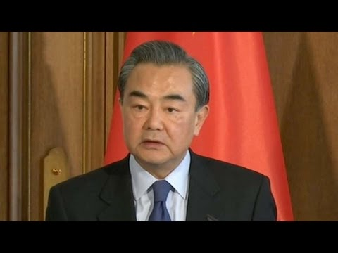 Chinese, German foreign ministers discuss ties and peaceful development