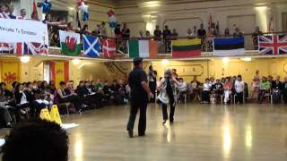 Eres Tu line dance by Peter & Alison - demo at Eurodance 2012