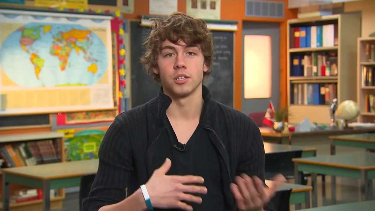 who is munro chambers dating 2014 Fri, 22 august 2014  munro and luke opened up to us about their off-screen friendship,  15+ pics inside of munro chambers and luke bilyk.