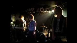 ShinyLips Live at 新宿Marble 2012-11-11 (準備中とAKINAのスピーチ) ...