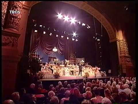 Andre Rieu  and the Johann Strauss Orchestra -  La Traviata  1995 !!! (Waltz Medley)