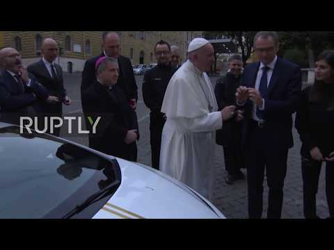 Holy See: Pope given €180,000 Lamborghini to auction for charity