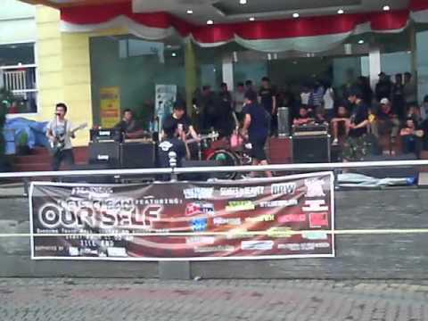 Senses Of Beauty - Kembali [ Live AT Bandung Trade Mall ] (1).mp4