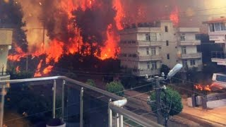 Массовая эвакуация в Турции. Пожар пошел в город