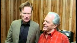 Conan and Joel watch the American Idol finale at Max's apartment