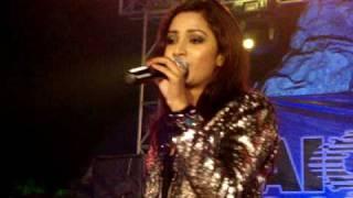 Download Hindi Video Songs - Shreya Ghoshal Live -Jadu Hai Nasha Hai, at AIOC Kolkata.MPG