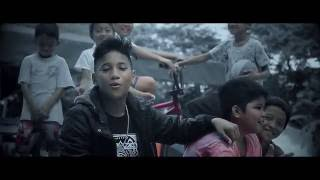 Repeat youtube video Bata Daw Ako - Lil Jay (Official Music Video)