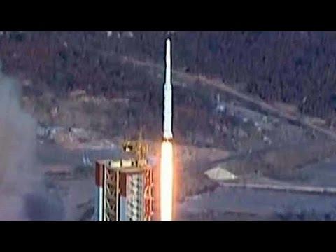 Северная Корея запустила две баллистические ракеты в сторону Японского моря.