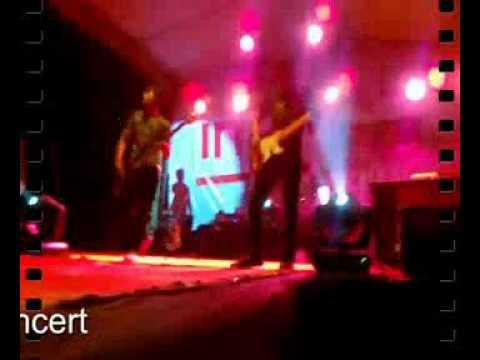 Amier feat Territory Band Pemburu cinta.flv