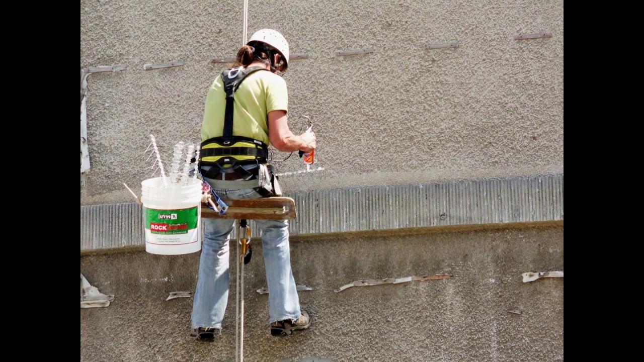 התקנת דוקרנים נגד יונים על קרניזים וחלונות בבניין - כנפיים הרחקת יונים
