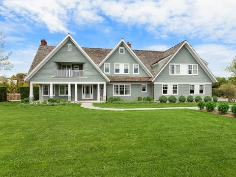 Classic Family Home with Private Beach Access in Bridgehampton, New York