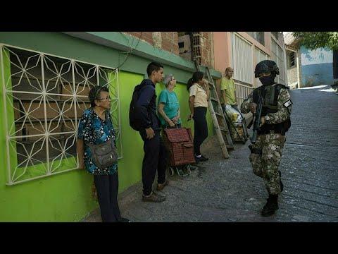 Amnesty: Kegyetlenkedtek a biztonsági erők Venezuelában