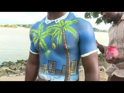 Körperkunst bei Makeup-Festival  in der Elfenbeinküste thumbnail