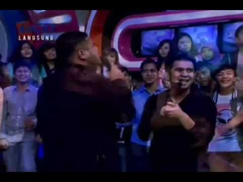 Mike Mohede - Mampu Tanpanya (new single) Live at Dahsyat RCTI (23 Mei 2013)