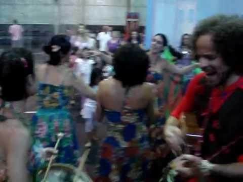 Babado de Chita apresenta: Passeio Brincante - BeijaFlorzinha Música de Zeneide Alves
