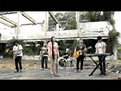 the-coffee-band-untuk-sesama-official-video-clip