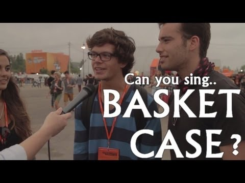 Green Day - Basket Case (Karaoke with fans) - Optimus Alive 2013 Portugal