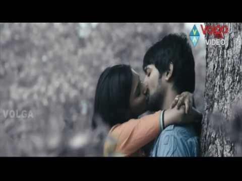 Sanchita Padukone kissing Varun Sandesh in Chammak Challo