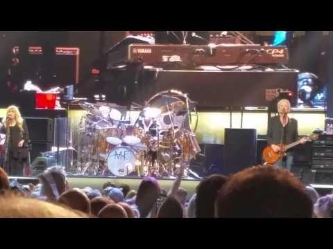 Fleetwood Mac - Don't Stop Live 2015