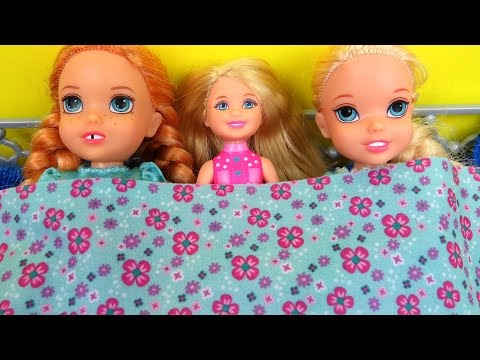 SLEEPOVER ! Painting Nails- ELSA & ANNA toddlers - Burned Cookies - Tea Party - Chelsea, Barbie
