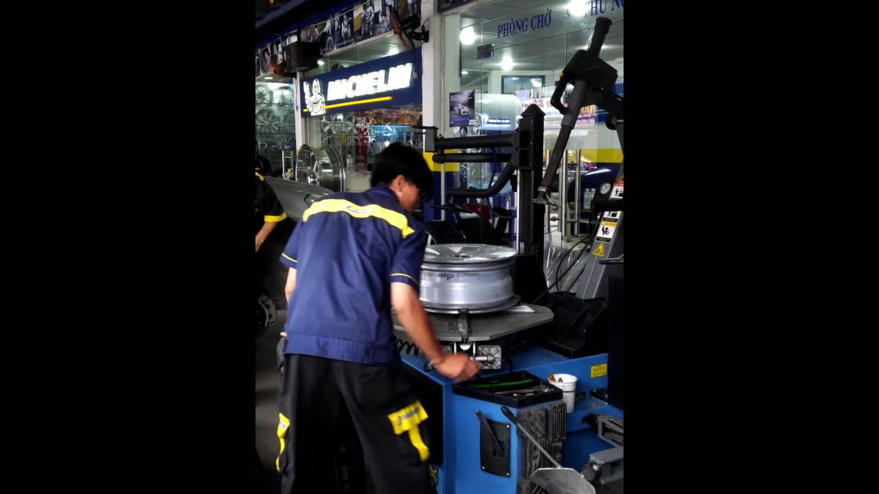 Quy trình thay lốp xe tại Lốp xe Hải Triều