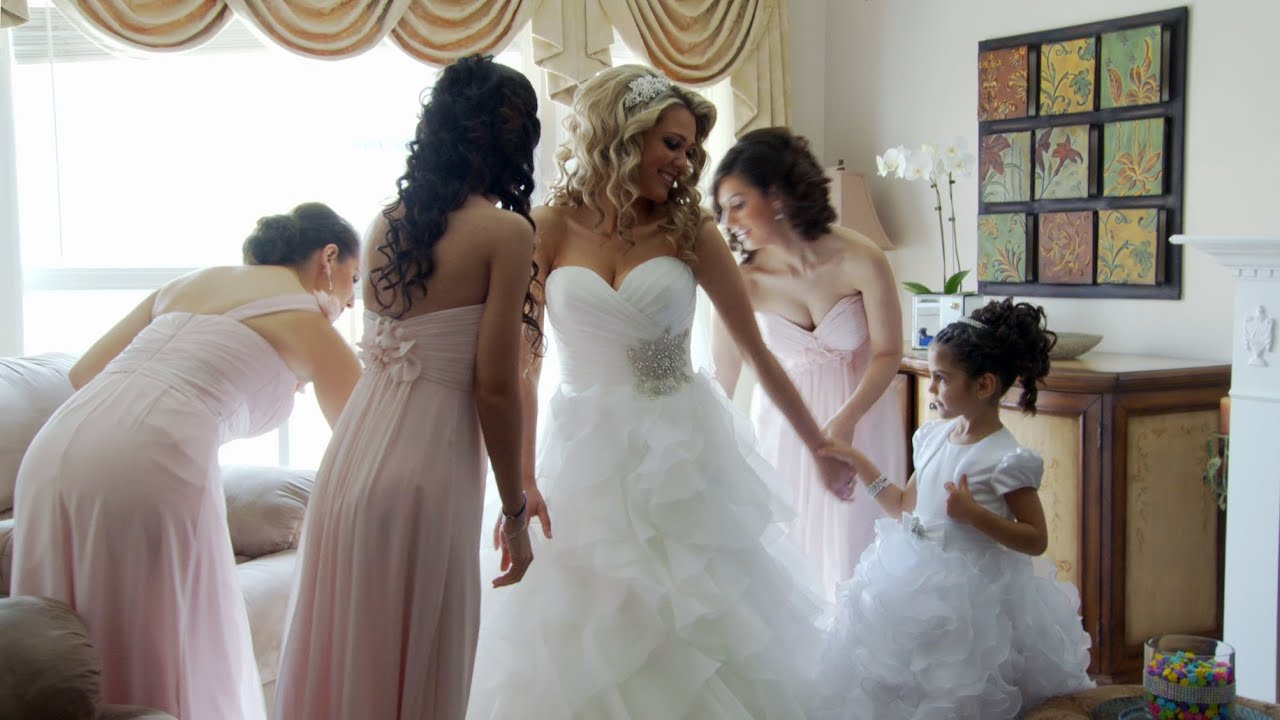 The message bride getting ready happens. Let's