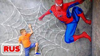 Влад и Никита вместе с мамой играют в детском музее в Дубае