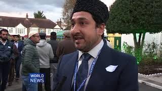 Hazrat Mirza Masroor Ahmad meets new converts 2017