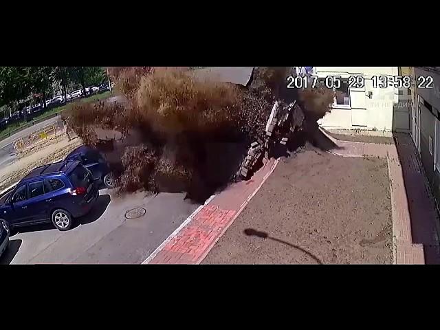 Киев, ужасный Прорыв трубы заснят на видео