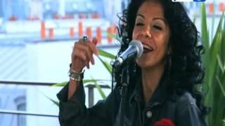 دنيا مسعود تغني مع محمود سعد في باريس