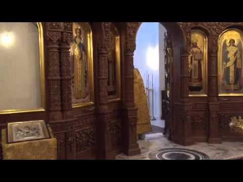 Красивое поет хор в храме Всех Святых, г.Умань, 1 служба