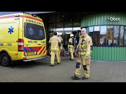 Brand in schoolgebouw Gilde College en Spindel College in Hengelo aangestoken, leerlingen naar huis
