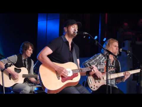 Luke Bryan- Fan Club Party 2015 - New Song: Fast