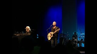 """Highlight Clips"" of Lindsey Buckingham and Christine McVie - San Jose - October 14, 2017"