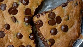 Eggless Pizookie Recipe  Nutella Stuffed Chocolate Chip Cookie  Easy And Quick Dessert For Party
