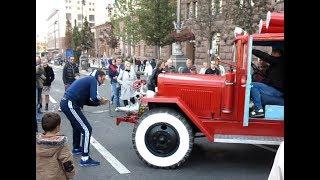 Як заводили пожежний автомобіль у Києві