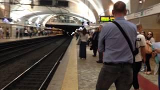 ローマ地下鉄の自動改札は、入り方が意外と難しいのです!