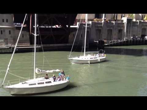 Lyric Opera Bridge / W Madison St. Chicago being pulled up