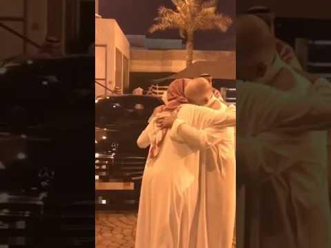 فيديو الامير خالد بن طلال يودع ابنه اثناء ذهابه للشماركة بالحد الجنوبي