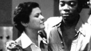 Play O Que Foi Feito Devera (De Vera) (Feat. Milton Nascimento)