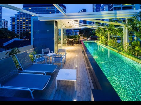 Mẫu biệt thự phố có hồ bơi trên sân thượng | chị Thu Ngọc | Nhà Xinh ®