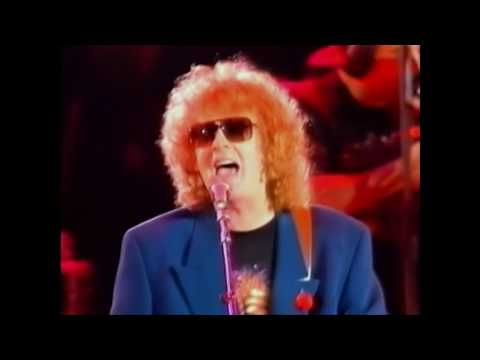Queen + Ian Hunter, David Bowie & Mick Ronson - All The Young Dudes (different camera angle)