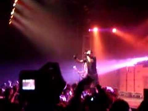 Simple Plan - Welcome to my life ( LIVE in PARIS )