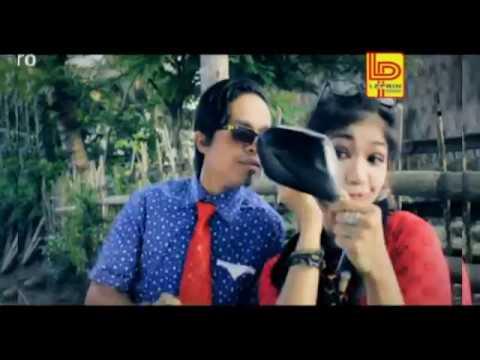 Mak Lepoh feat Etek Kadai - Mati Karancak'an (Lawak Minang)