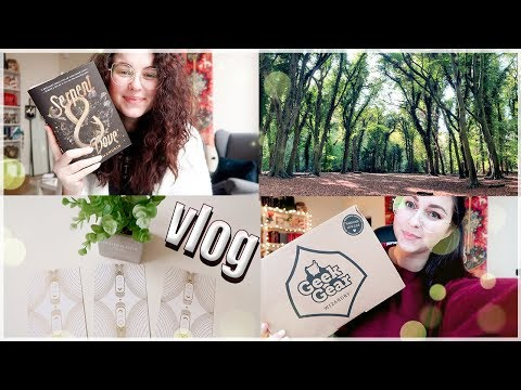 Resorting myself into a Hogwarts house , GeekGear & Papergang unboxings! | Book Roast