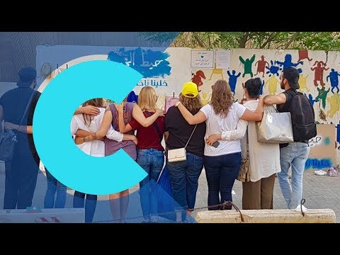 """Lebanon: Anonymous volunteers create """"wall of kindness"""" to help those in need"""
